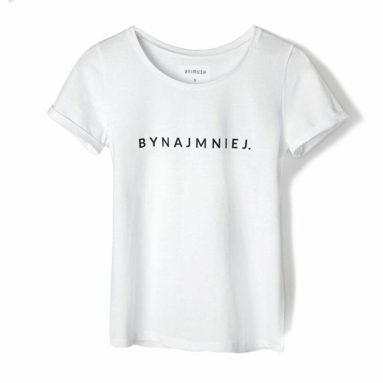 animush t-shirt biały z nadrukiem bynajmniej